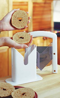 1500 Classic White Bagel Guillotine